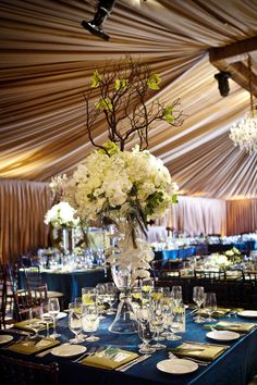centerpiece by The Flower House Photo by Verite