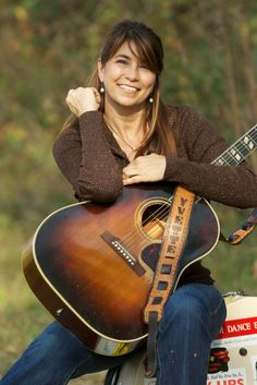 Ep152 - Yvette Landry - Yvette Landry talks about her new band line up, the cajun influence in her music, song writing advice, and back porch jams. She also plays three tracks from her latest album, No Man's Land. Plus, rock & roll from Ned Van Go, country-rock from Two Tons Of Steel, twang from The Whiskey Bottles, folk rock from The Wood Brothers, funk from Swamp Dogg, blues rock from Steven Casper & Cowboy Angst, electric blues from RB Stone, and Tex Mex punk from the  Piñata Protest.