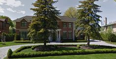 Mont Royal, Montréal, Québec. The only Dream House built in Canada. To see a photo of the crowds lining up to see the house-http://pistard.banq.qc.ca/unite_chercheurs/description_fonds?p_anqsid=201701201141491490&p_centre=06M&p_classe=P&p_fonds=48&p_numunide=826799  click on box [Voir les image(s):1]