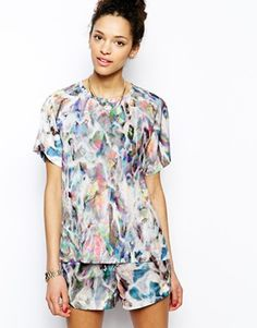 LOVE ! Textile Federation Boyfriend Tshirt in Lucid Liquid Print