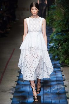 Again, such an extravagant show and the one I like the best is the simple white, but WOW! Erdem S/S15 #ss15 #lfw #fashion