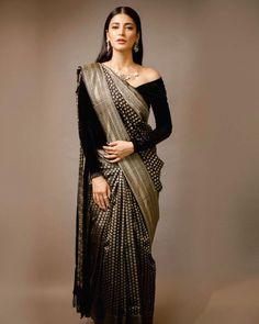 Shruti Hassan spotted a black silk saree by Sailesh Singhania. | Moviekoop
