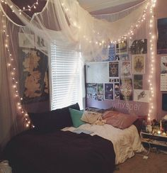 taken from whxpser 's instagram, but omg love this room