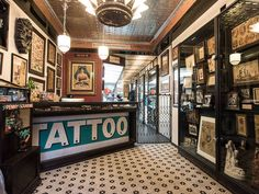 Downtown Tattoo Shops New 8 Awesome Tattoo Shops In Nyc for Every Style Tattoo Shops In Nyc, Best Tattoo Shops, New York Tattoo, Nyc Tattoo, Tattoo Salon, City Tattoo, Studios, Tattoo Shop Decor, Tattoo Studio Interior