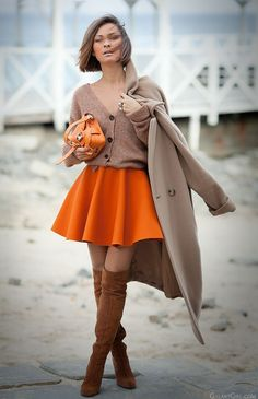 mini skater skirt in autumn outfit on GalantGirl.com