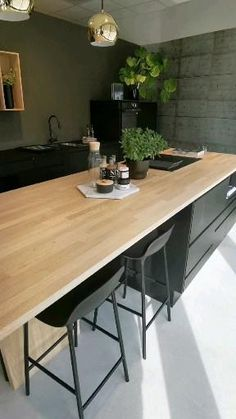 Kitchen Ceiling Design, Industrial Kitchen Design, Modern Kitchen Design, Interior Design Kitchen, Loft Kitchen, Kitchen Pantry Design, Zen Kitchen, Kitchen Decor Themes, Home Decor Kitchen