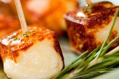 Receita Dedo de Moça: Espetinho de queijo coalho com mel de alecrim