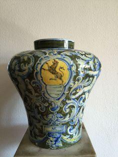Due giardiniere in ceramica manifattura minghetti for Giardiniere bologna
