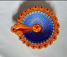 Diwali Diya # Beautiful hand painted Diya!!!!! Mandir Decoration, Diya Decoration Ideas, Diy Diwali Decorations, Festival Decorations, Diwali Diya, Diwali Craft, Diwali 2018, Indian Lamps, Diy And Crafts