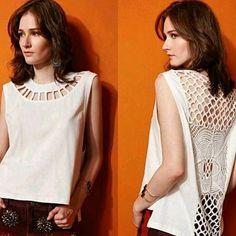 #mulpix  #Newin: blusa em malha com detalhe guipir costas!! Disponível na branca, preta e caramelo! ✨✨✨
