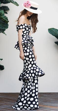 Johanna Ortiz Spring 2016 Ready-to-Wear Dots Fashion, Runway Fashion, High Fashion, Trendy Dresses, Fashion Dresses, Dot Dress, Dress Up, Editorial Fashion, Beautiful Dresses