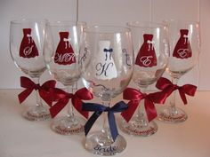 set of 8 monogramed personalized bridesmaid gifts