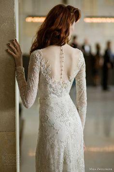 Stunning,slim fitting wedding dress