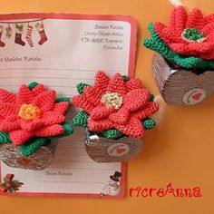 Stelle di Natale all'uncinetto per piantine calamite da frigo #poisettia #crochet #stelladinatale #uncinetto #fattoamano
