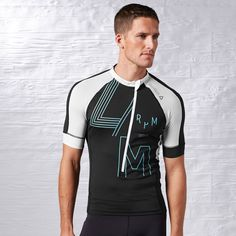 reebok les mills cycling tee. size M. ✔