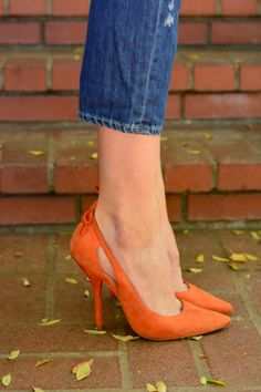 Pointed Heels, great color