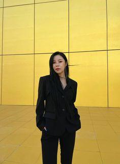 Kpop Girl Groups, Korean Girl Groups, Kpop Girls, Wheein Mamamoo, Beautiful Asian Women, Rainbow Bridge, Girl Crushes, South Korean Girls, Asian Woman