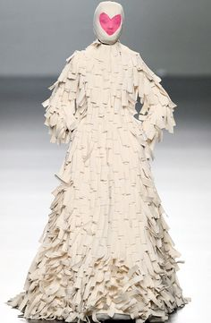 Avant garde ~ now I know why these are called 'Runway FASHION' ~ It means u must 'runaway quickly from this fashion'!!!