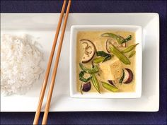 Thai Green Curry with Tofu // Foie Gras Hot Dog - Better than take-out Thai green curry.