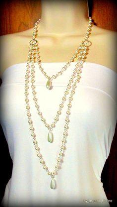 Collar de tres hilos elegante de perlas por byBrendaElaine en Etsy