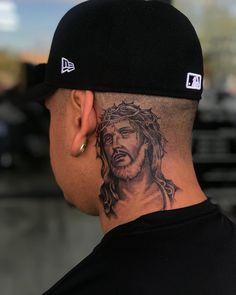 Jesus piece on Tattoo Jesus Cristo, Jesus Tattoo, Neck Tattoo For Guys, Tattoos For Guys, Half Sleeve Tattoos Designs, Tattoo Designs, Day Of Dead Tattoo, Mario Tattoo, Dyed Hair Men