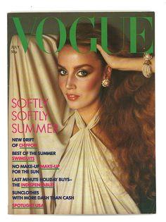 Vogue Magazine Covers, Fashion Magazine Cover, Fashion Cover, 70s Fashion, Vintage Fashion, Fashion Ideas, Seventies Fashion, Vogue Fashion, Fashion Black
