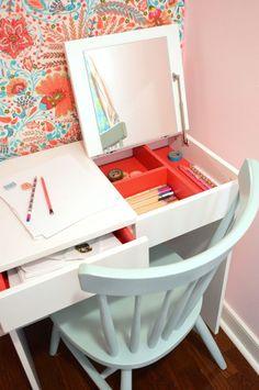 Craft ideas for teen girls bedroom desk areas 15 ideas Girls Bedroom Furniture, Bedroom Desk, Closet Bedroom, Kids Bedroom, Room Kids, 6 Year Old Girl Bedroom, Lego Bedroom, Child Room, Closet Desk