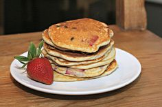 chocolate covered strawberry pancakes: gonna try this but instead with whole wheat flour, fat free milk, and no shortening to make it healthier