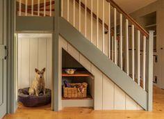 dog house under stairs platzsparend 17 Clever Uses for the Space Under the Stairs Under Stairs Dog House, Space Under Stairs, Storage Under Stairs, Attic Storage, Closet Storage, Under The Stairs, Staircase Storage, Closet Shelves, Hidden Storage
