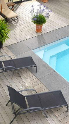 Piscine escalier angle - My WordPress Website Small Backyard Pools, Swimming Pools Backyard, Swimming Pool Designs, Backyard Patio, Outdoor Pool, Pool Paving, Pool Landscaping, Pool Steps, Rectangular Pool