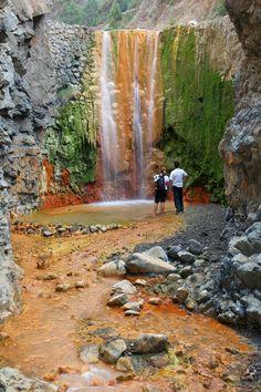 La Palma, cascada en La Caldera de Taburiente #Canarias