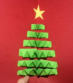 Christmas Card pop up with Christmas tree Christmas Projects, Christmas Time, Xmas, Diy And Crafts, Crafts For Kids, Kindergarten, Jingle All The Way, Pre And Post, Pop Up