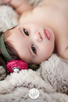 45 Ideas baby pictures 3 month old girl for 2019 3 Month Old Baby Pictures, 6 Month Baby Picture Ideas, Baby Girl Pictures, Newborn Pictures, 2 Month Old Baby, Baby Poses, Baby Portraits, Newborn Baby Photography, Cute Babies