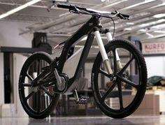Audi e-Bike Wörthersee – futuristisches Stuntbike Konzept    Ein Showbike der besonderen Art stellt Audi mit dem Konzept e-Bike Wörthersee auf dem GTI-Treffen am österreichischen Wörthersee vor das vom 16. – 19. Mai 2012 stattfindet. Wenn man bedenkt, dass es sich bei dem Audi e-Bike Konzept um ein Elektro-Fahrrad handelt, das Spitzengeschwindigkeiten von bis zu 80 km/h erreichen kann, wird schnell klar, dass es bei diesem Stuntbike nicht um ein einfaches Pedelec geht.