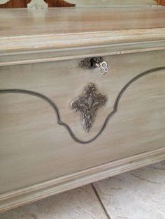 Lane Cedar Chest Updated with Coco, Old White and French Linen Chalk Paint® decorative paint by Annie Sloan | By Lady Butterbug