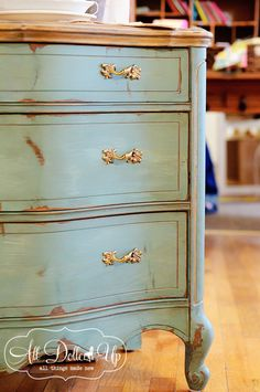 MMSMP: equal parts French enamel to Lucketts green = beautiful turquoise