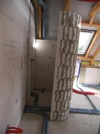 schneckendusche-gemauert-   runde Duschwand