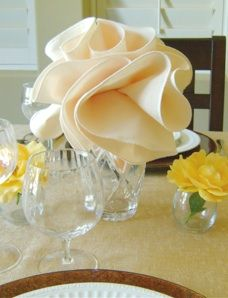dinner-napkin-centerpiece