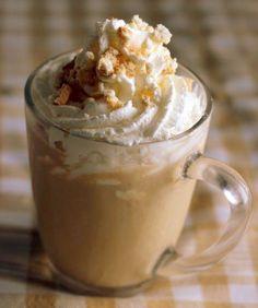 Eu amo café e com o calor que anda fazendo um café geladinho é bom demais! Este frozen funciona lindamente como uma sobremesa, encerrando a refeição com muito charme. O melhor de tudo: é super sim