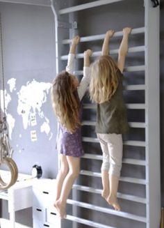 Kletterwand im Kinderzimmer für kreatives Kinderzimmer Interior