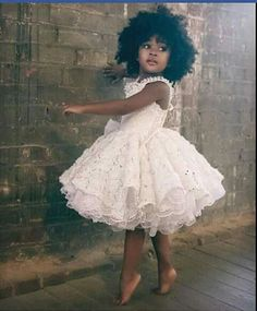 Süßeste schwarze Kinder Afro Frisuren, Beliebte Frisuren, sü Fashion Kids, Toddler Fashion, African Fashion, Flower Girls, Vintage Flower Girl Dresses, Beautiful Children, Beautiful Babies, Beautiful People, Beautiful Dresses