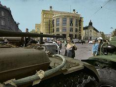 Muž s odhalenou hruďou, okupácia československa, farebná,