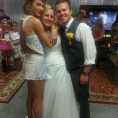 These two got married outside of Taylor Swift's concert, and she invited them backstage!