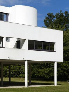 Villa Savoye - Le Corbusier. Another favorite architect.