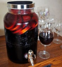 A sweet wine filled with fruit flavors. Perfect for your next patio party. What's even better is you can mix it up in advance and guests can help themselves. Olive Garden Berry Sangria Recipe, Italian Sangria Recipe, Sangria Recipe For A Crowd, Blackberry Sangria, Red Sangria Recipes, Strawberry Sangria, Italian Drinks, Watermelon Vodka, Drinks Alcohol Recipes
