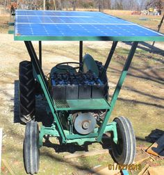 Find out how one couple helped solve their farm energy challenges with this solar powered tractor. From MOTHER EARTH NEWS magazine. Renewable Energy, Solar Energy, Solar Power, Wind Power, Alternative Energie, Alternative Energy Sources, Mother Earth News, Electric Power, Electric Cars