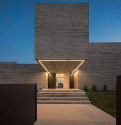 Facade Lighting, Exterior Lighting, Linear Lighting, Strip Lighting, Suite Principal, Grey Houses, Modern Houses, Concrete Houses, Grey Exterior