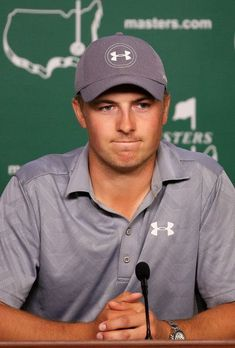 Jordan Spieth Photos - Jordan Spieth of the United States speaks to the media during a practice round prior to the start of the 2016 Masters Tournament at Augusta National Golf Club on April 5, 2016 in Augusta, Georgia. - The Masters - Preview Day 2 #PlayABetterGolfGame
