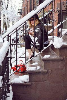 thoughtfulwish | fashion blogger // boston blogger // christian louboutin // red soles // parisian style // black and white fashion // kate spade // red car purse