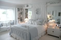 White Theme and Modern Beds Furniture Sets in Teenage Girls Bedroom Decorating Designs Ideas